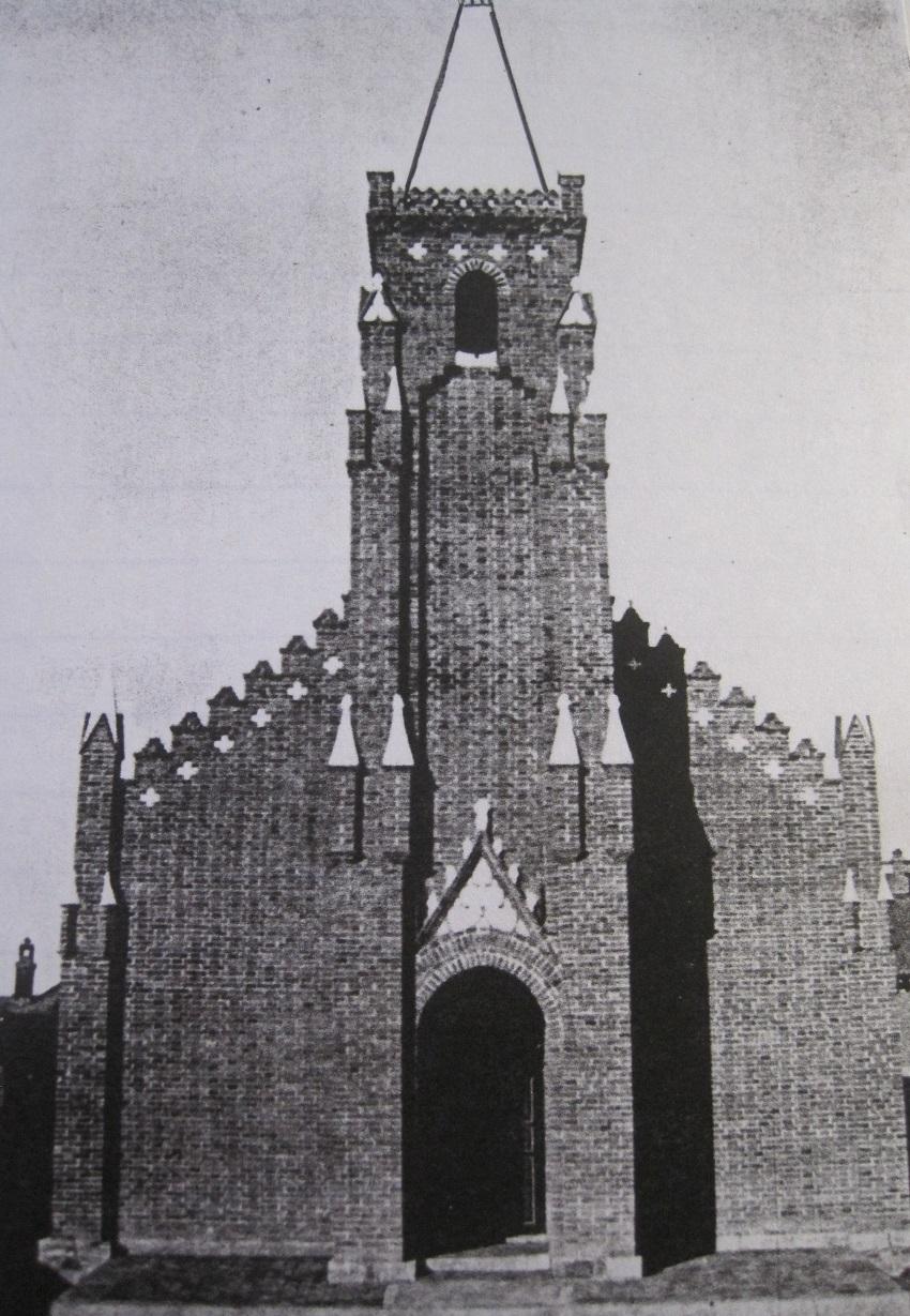 zelfgebouwd kerkje