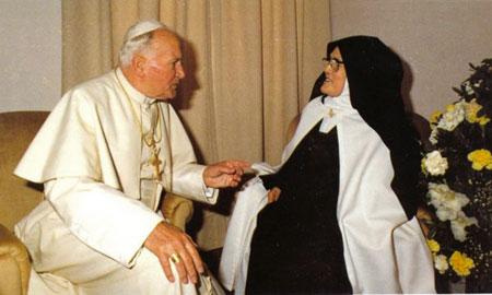 Paus Johannes Paulus II en Lucia