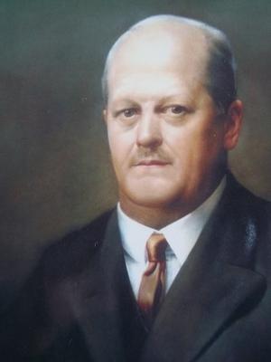 Dr. Batthyány-Strattmann László