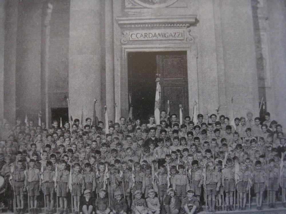 Arendjongskens in 1949 in Vac