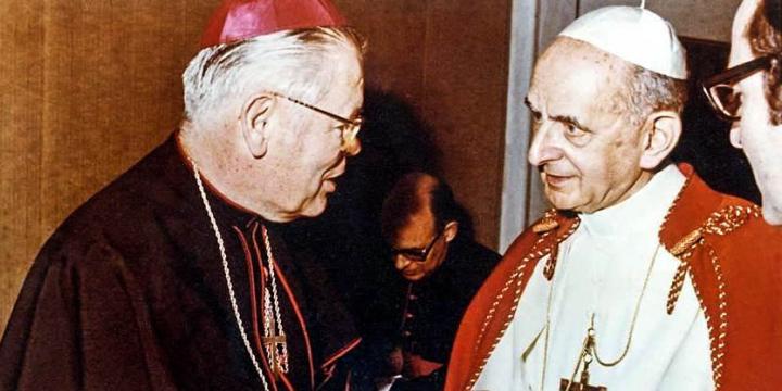 Bisschop van de maan bij Paus Paulus VI
