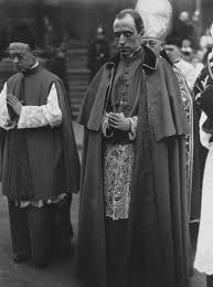 Kardinaal Pacelli 1938 te Boedapest