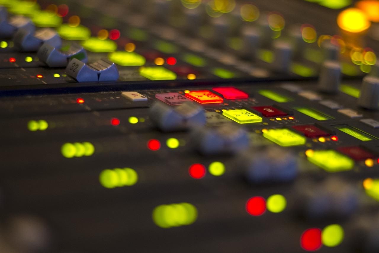 radio-1203736_1280