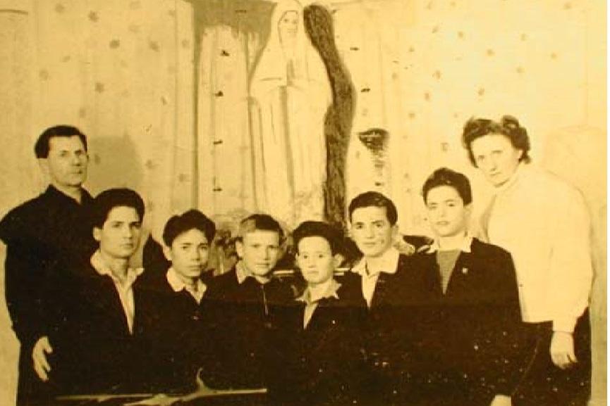 1961 Istvan en Kismama en enkele kinderen