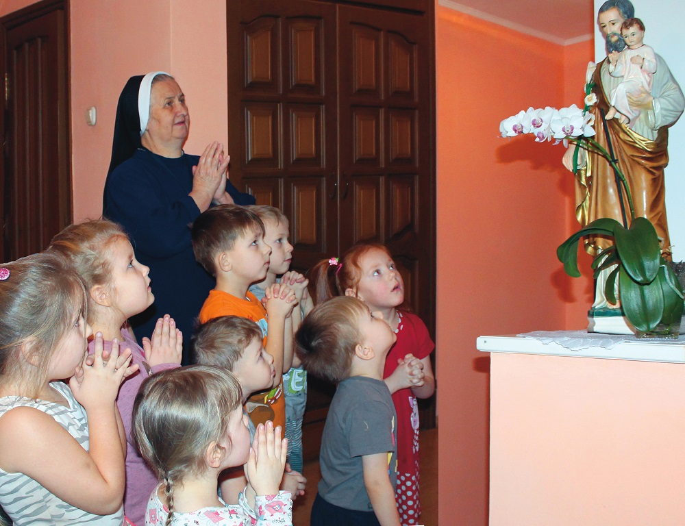Existence assistance to 56 sisters of the Diocese of St. Joseph in Irkutsk 2020